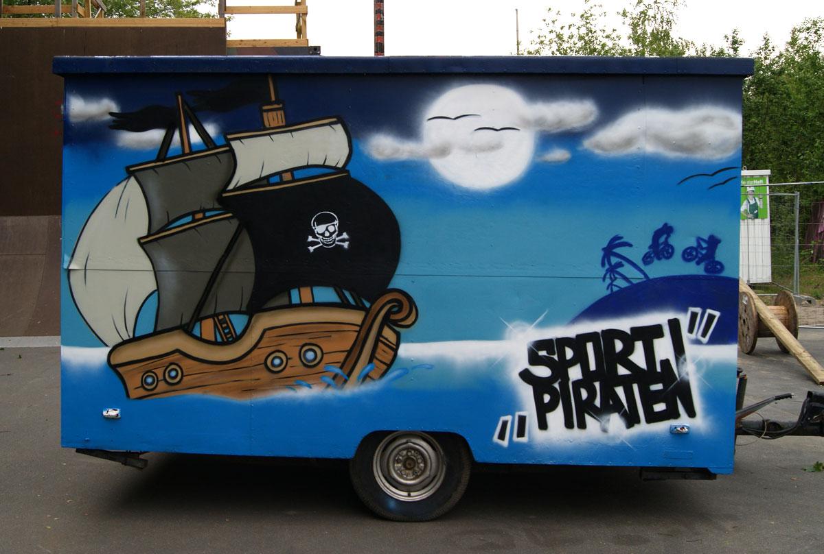 Graffiti Auftrag Sportpiraten – Anhänger Flensburg