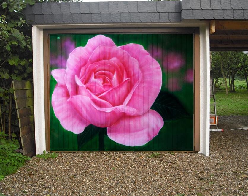 Graffiti Eckernförde – Rose auf Garagentor
