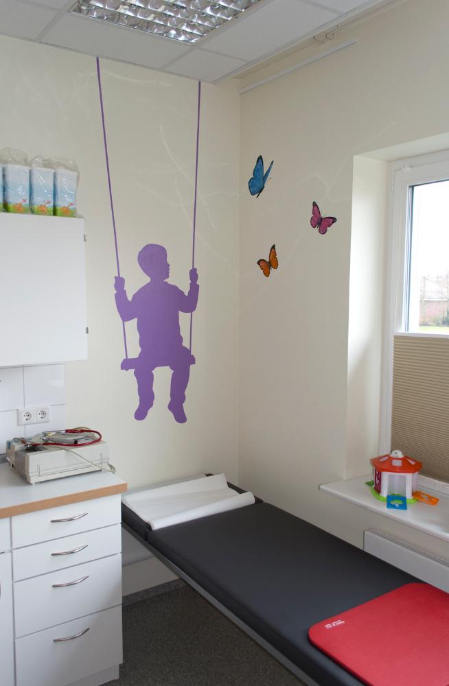 Wandgestaltung praxis f r kinder und jugendmedizin nieb ll graffiti maler graffiti - Wandgestaltung kinder ...