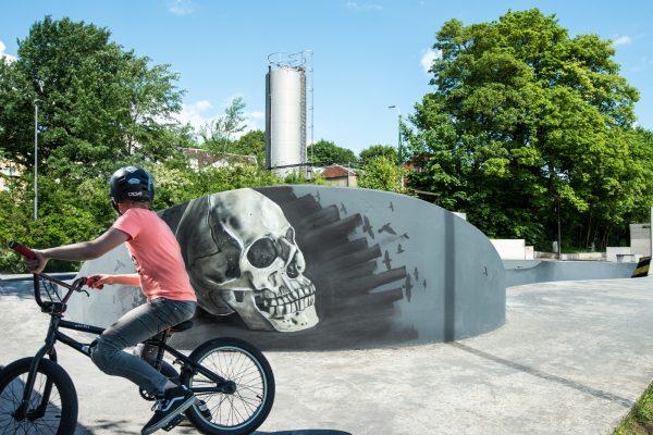Skatepark Graffiti Skull