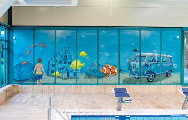 Graffiti Wandgestaltung im Schwimmbad