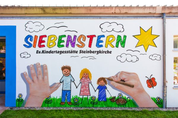 Fassadengestaltung für Kita Siebenstern – Graffiti in Steinbergkirche