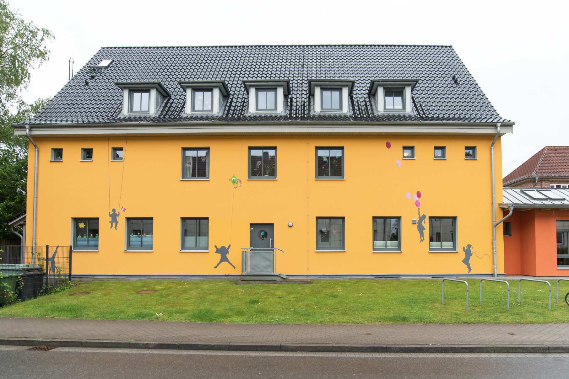 Fassadengraffiti Kindergarten Schleswig