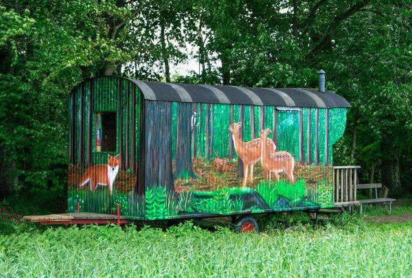 Graffiti auf Bauwagen für Waldkindergarten