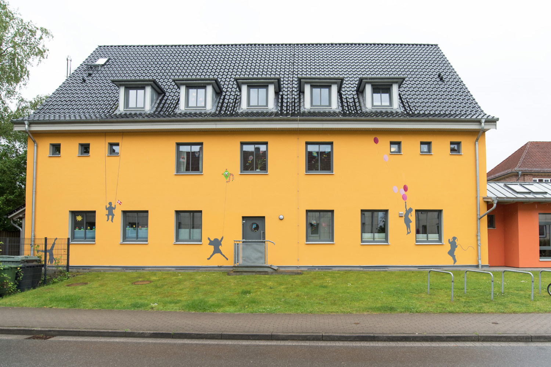 Graffiti Künstler Pinneberg Fassadengestaltung Schule