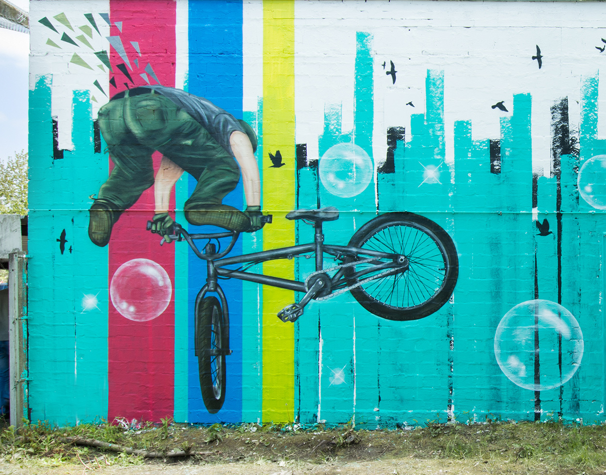 Fassadengestaltung Graffiti mit Basketball und BMX