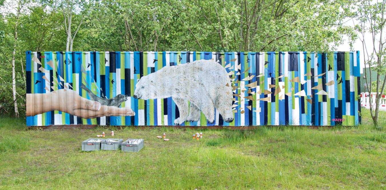 Container Graffiti - Eisbär, Robbe, Hand